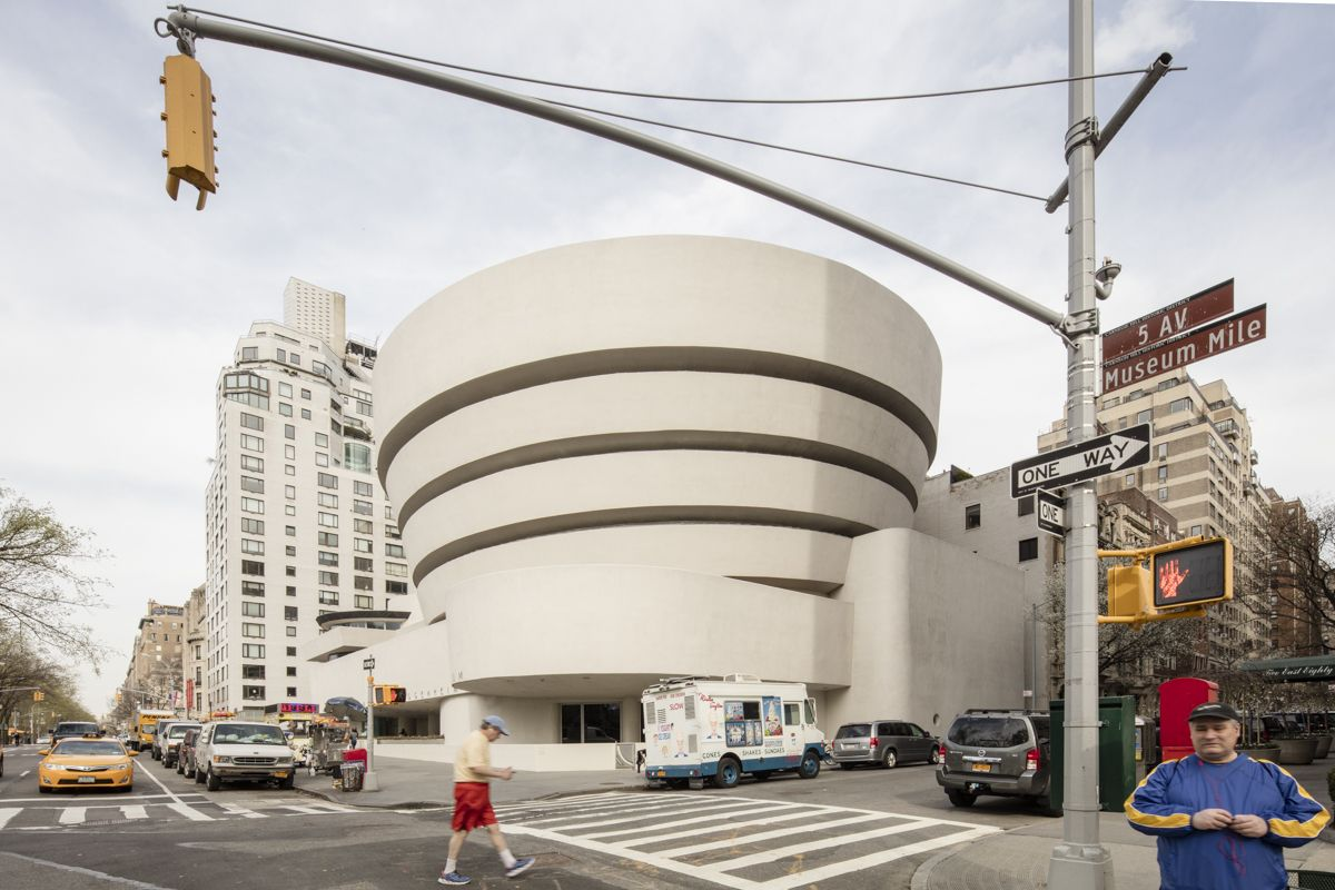 Gallery Frank Lloyd Wright S Solomon R Guggenheim Museum By Laurian Ghinitoiu Frank Lloyd Wright Architektur Und Sammlung