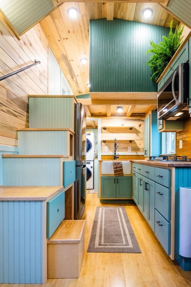 Carrie's 28ft Gooseneck Tiny Home #tinyhouses