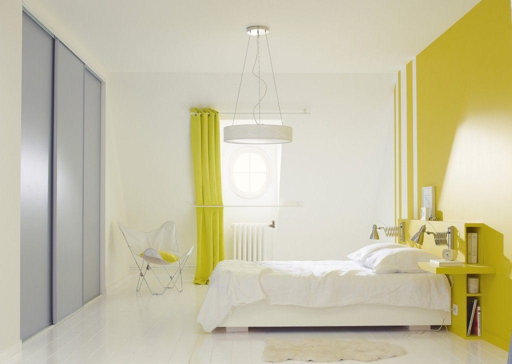 te^te de lit faite sur mesure Proposée par LM, avec range livres - peinture epaisse pour mur