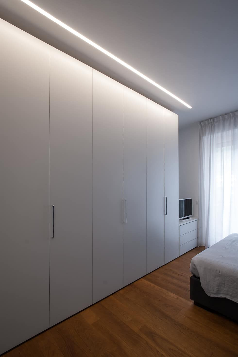 37vm ristrutturazione di un appartamento a como camera da for Appartamento stile moderno