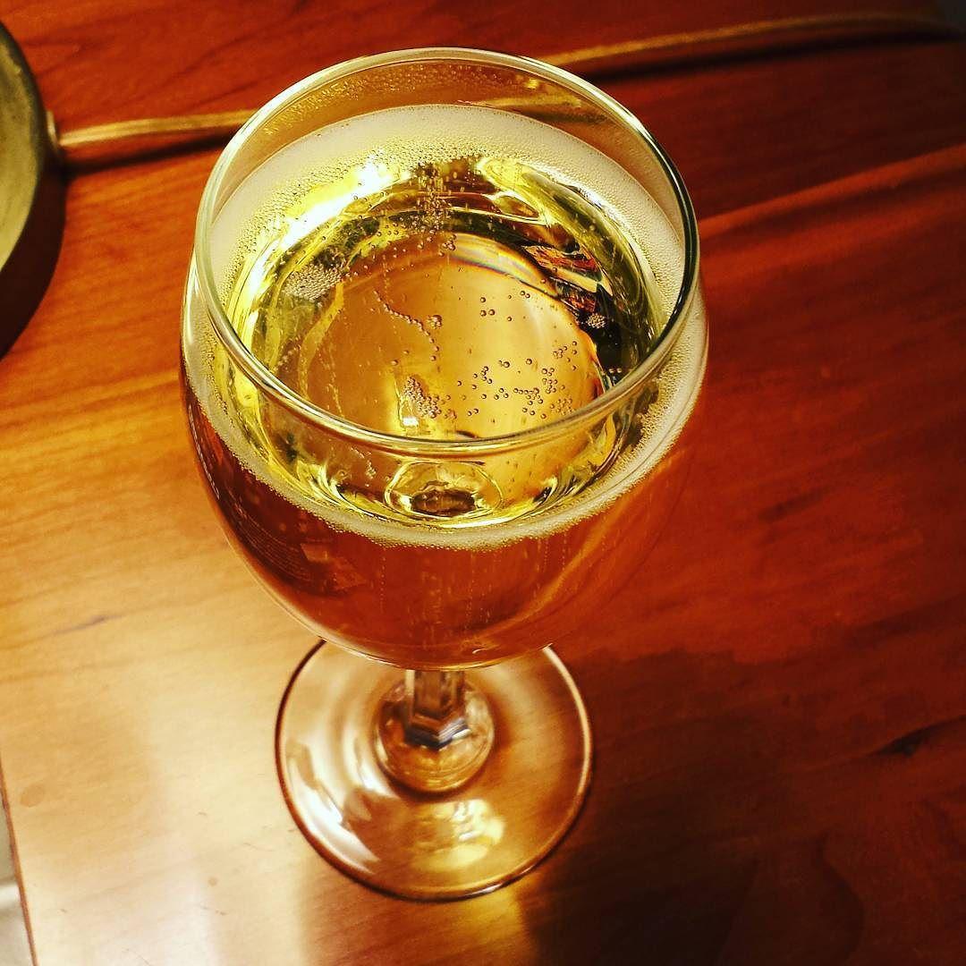 Sparkling wine huzzah! #yum #wine