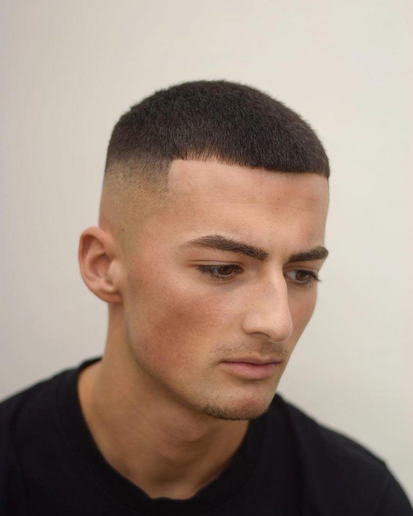 Model Rambut Pendek Pria Mohawk