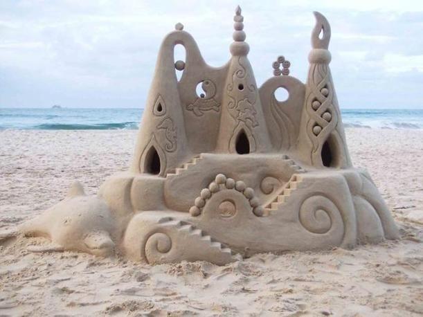 La giusta percentuale di acqua per il perfetto castello di sabbia si attesta attorno all? 1-2% ! / The proper percentage of water for the perfect sand castle stood all around? 1-2%!