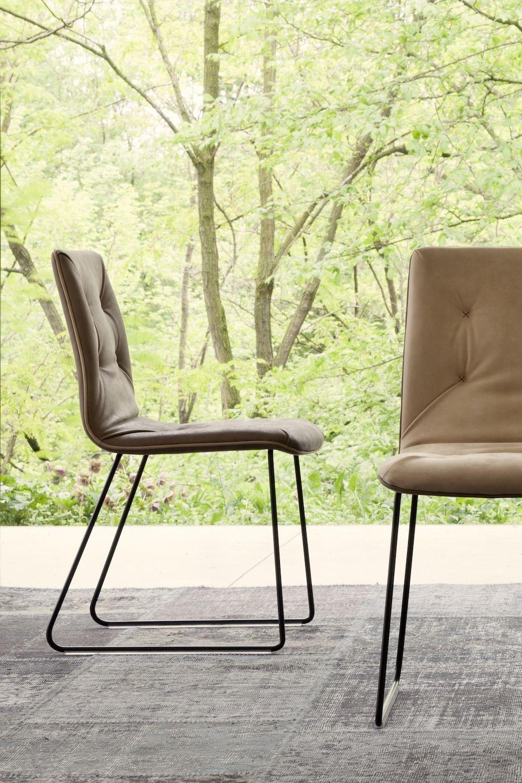 Klassischer Lederstuhl Mit Kufen Tonon Basic Lederstuhle Design Tisch Moderne Stuhle