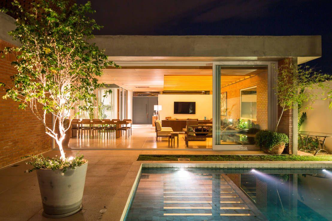 f812f63f79a11 10 ideas de albercas para casas modernas. www.homify.com.mx revista   FollowMe
