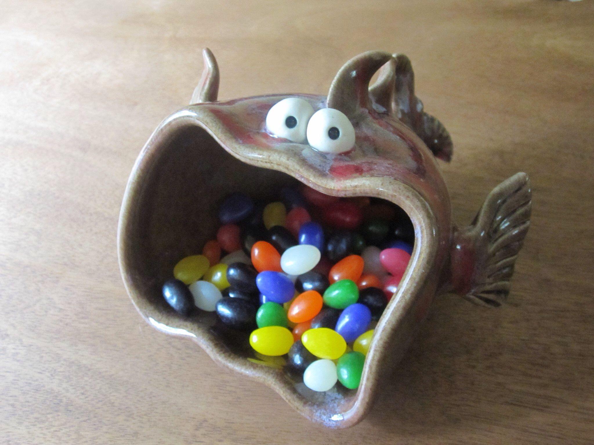 Coole vis van pottery monsters pottery pinterest for Deko fische plastik