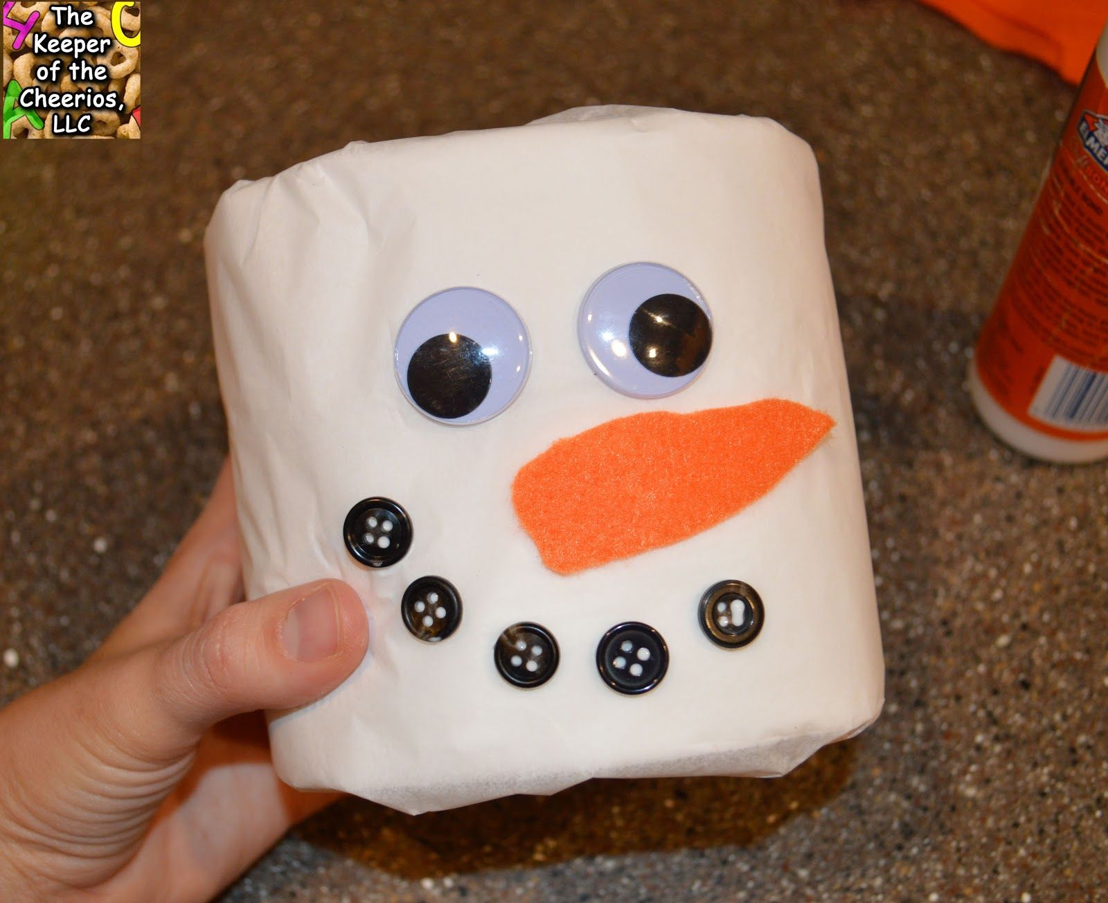 Toilet Paper Snowman Craft #toiletpaperrolldecor