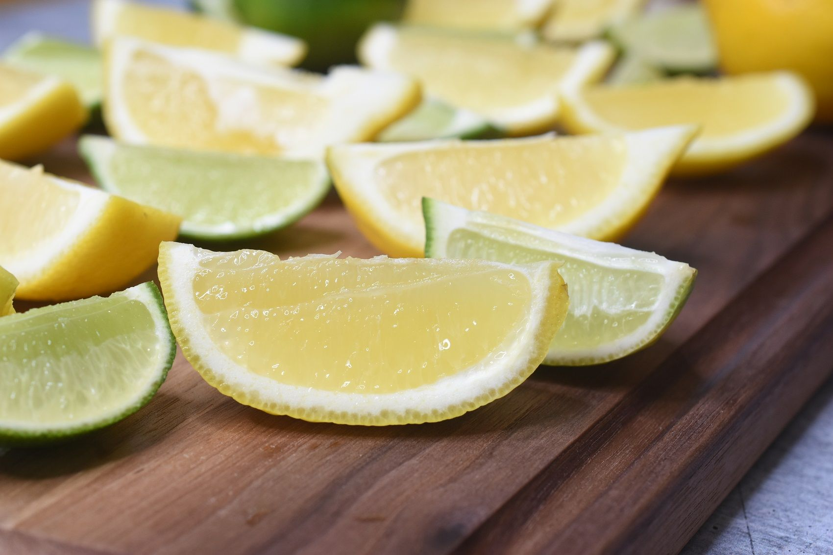 How To Freeze Lemons and how to best store them to last