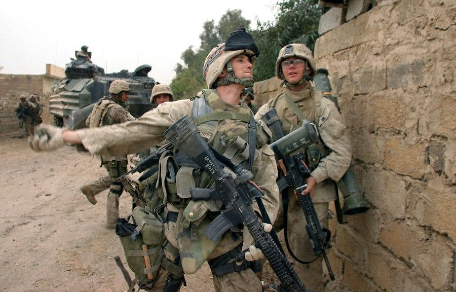 Fallujah Iraq 2004 Us Marine Corps Military Heroes Military