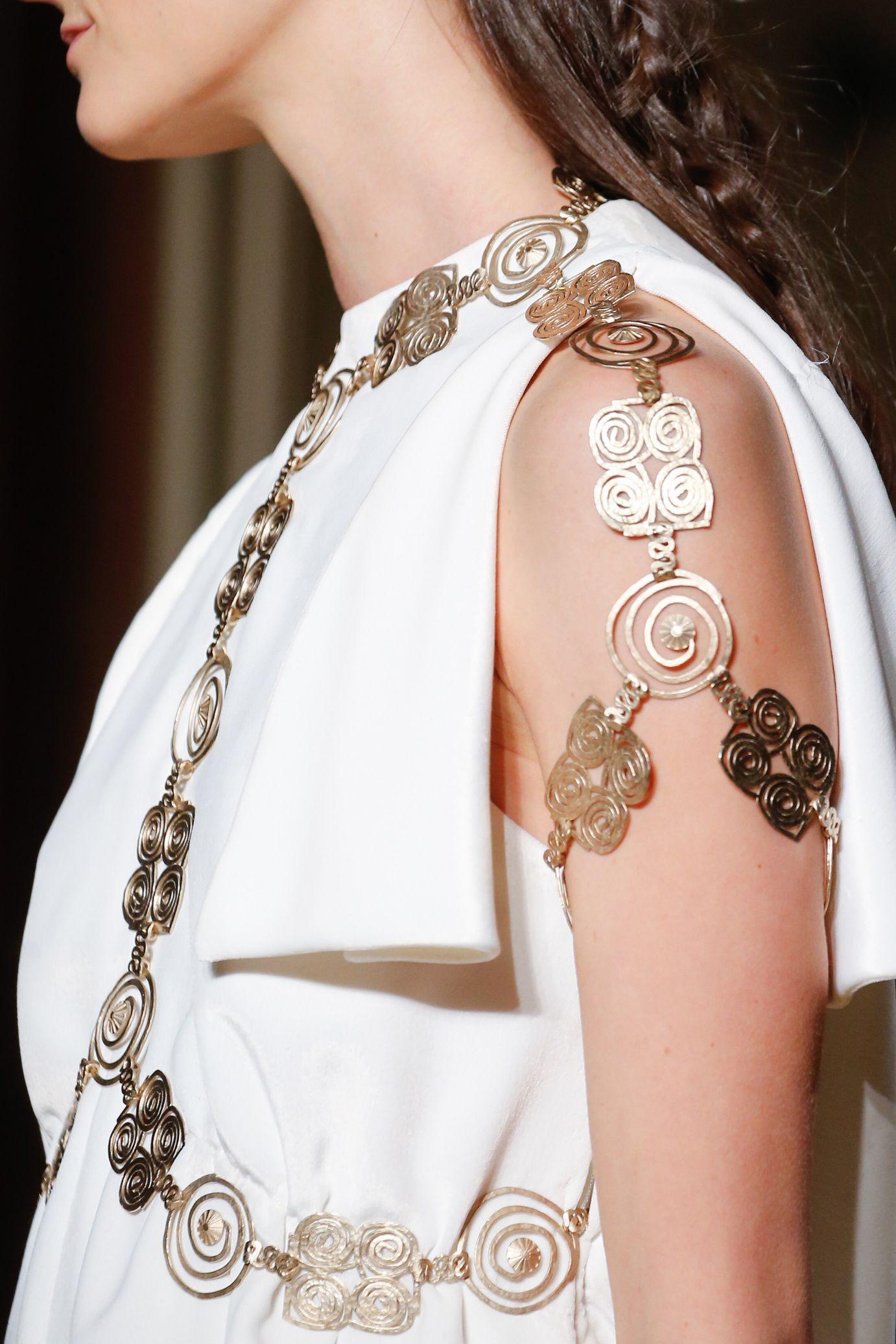 Detail - Valentino haute Couture 2016