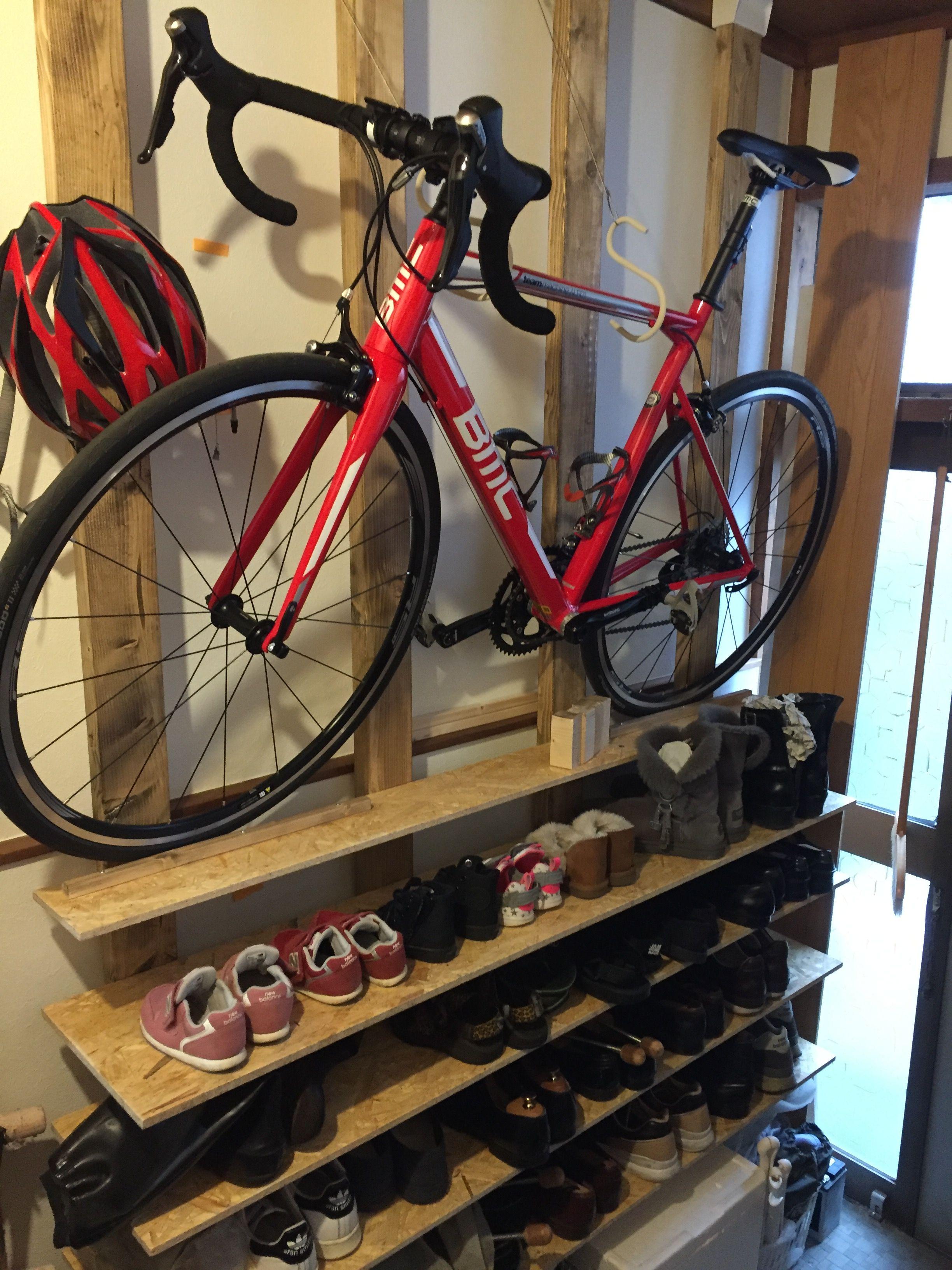 ディアウォール4本使って家族の靴棚とロードバイクの室内格納を両立させました 玄関 自転車 ロードバイク 収納 自転車収納
