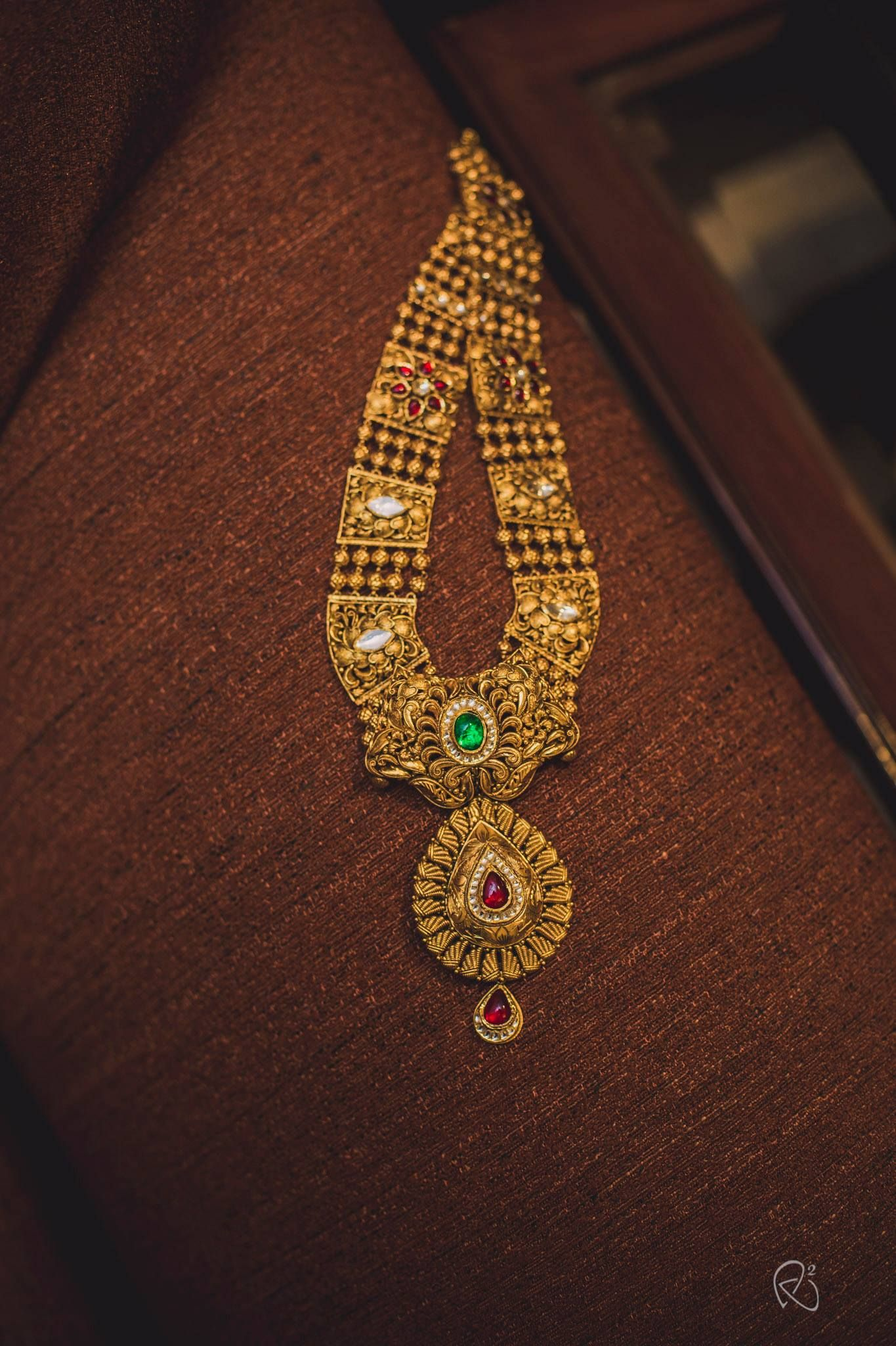 Shopzters is a South Indian wedding website Gold jewelry
