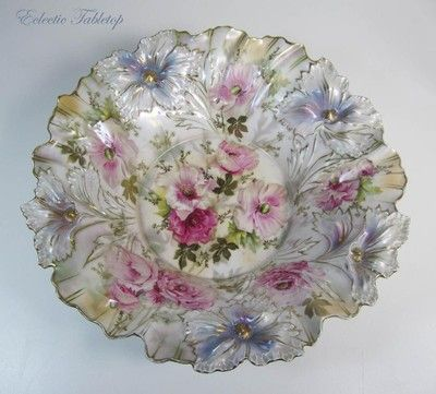 Beautiful RS Prussia Rose Iridescent Bowl in Carnation Mold