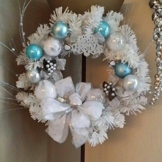 White cool blue Christmas wreath | Blue christmas ...