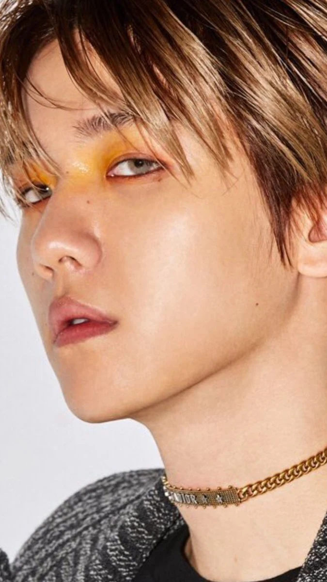 These Male K Pop Idols Aren T Afraid To Rock A Little Extra Blush Eye Shadow Or Lipstick And We Are Living For Their Lo Pop Makeup Male Makeup Glossy Makeup