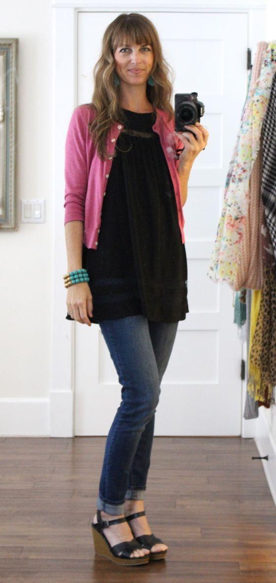 black tunic + pink cropped cardigan + skinny jeans + black ...