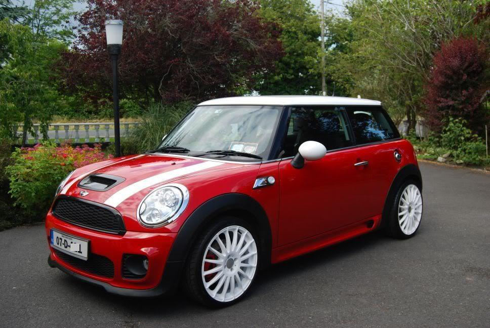 mini cooper s red white concorso 39 d detailing world auto mini. Black Bedroom Furniture Sets. Home Design Ideas