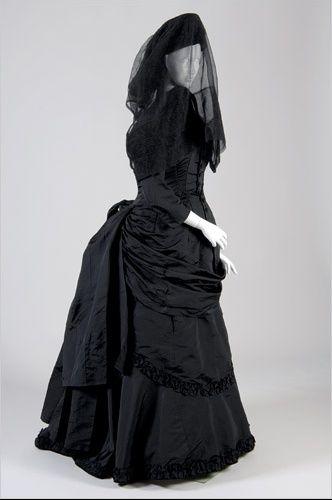 Robe Gothique Et Voile Style Victorien Tenues Victoriennes Robe Gothique