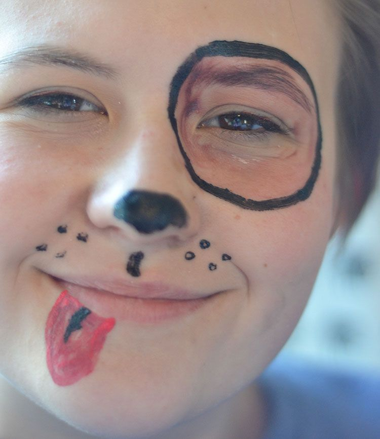 face paint can be easy to do if you choose simple designs and good paints - Halloween Easy Face Painting