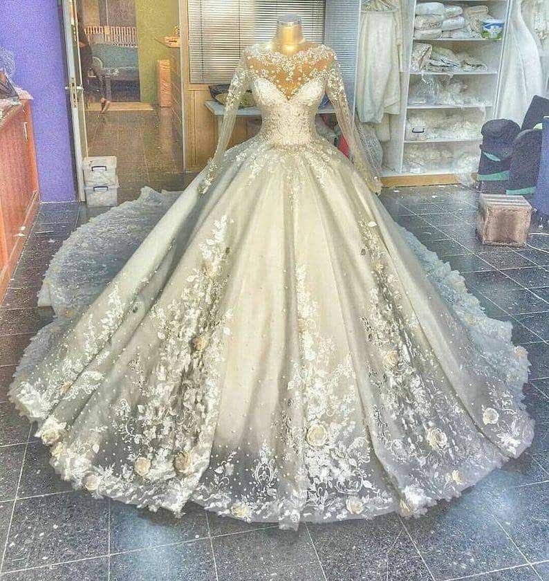 Cinderella Style Wedding Gowns: A Cinderella-style Wedding Gown.