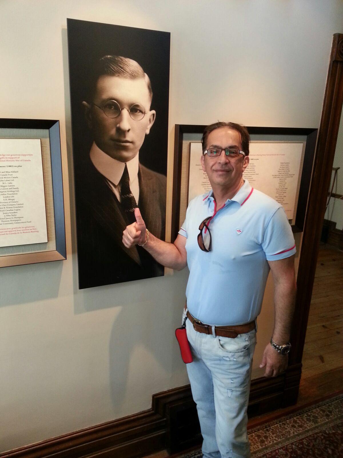 Dr fares boufakhreddine near the portrait of frederick