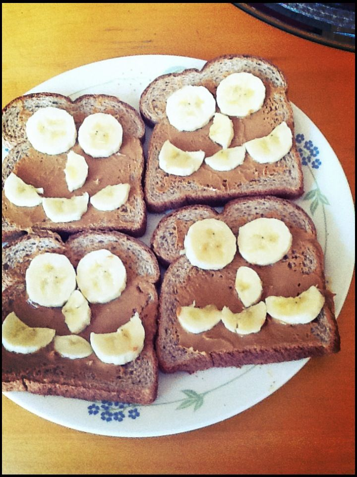 Made this before, took me less than 5 min to do! Just need toasted or un toasted bread, apply generous coats of peanut butter on top, then design it any way you want with sliced bananas. It's a easy, simple, and delicious morning meal!:) #foodrecipes