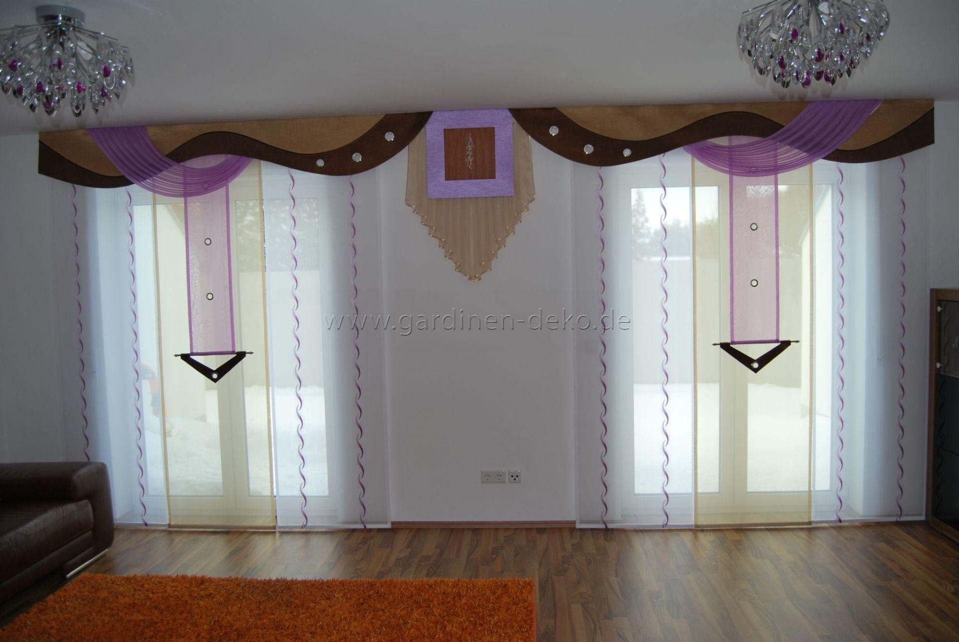 Wohnzimmer Schiebevorhang in lila-beige mit braunen Bogen ...