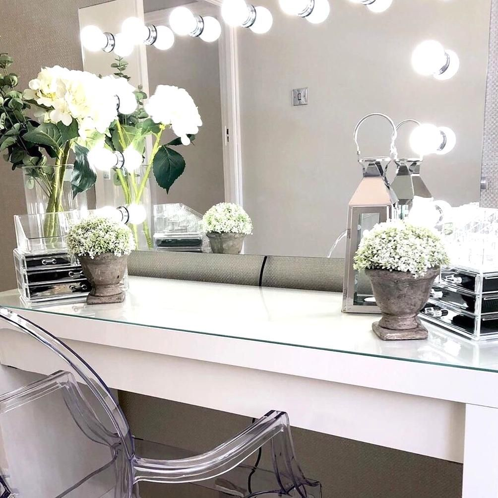Dressing Room Goals From Ashleighsh Featuring Our Nicole Hollywood Mirror Makeup Mirror With Lig In 2020 Dressing Room Decor Dressing Table Decor Dressing Table Mirror