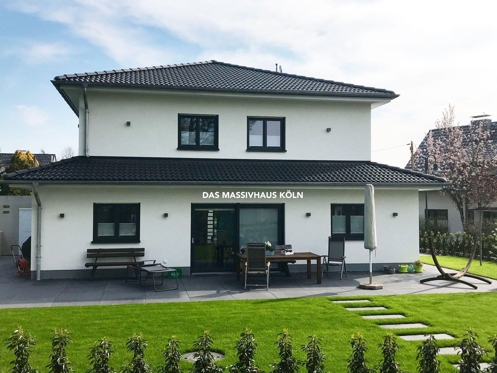 Gebaute Ef 55 Hauser Das Massivhaus Koln Ist Fur Sie Da Umfangreicher Service Beginnt Mit Dem Ersten Gesprach Bis Zum Frohlic Haus Bauplan Haus Toskana Haus