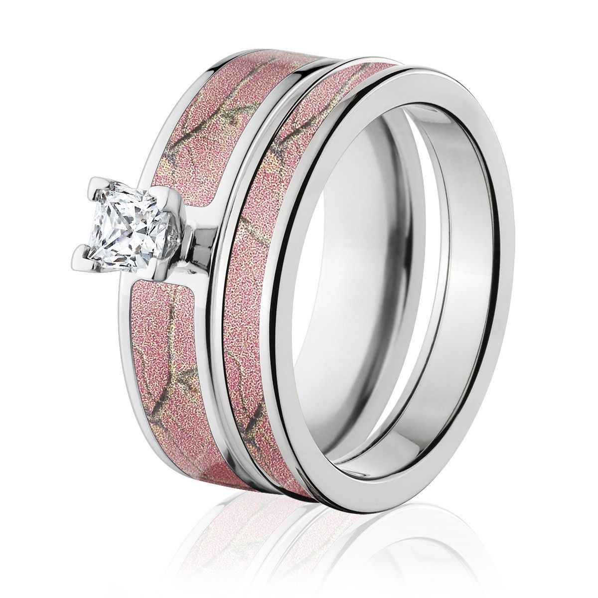 Realtree Ap Pink Camo Wedding Ring Set With Images Camo Engagement Rings Pink Camo Rings Camo Wedding Rings