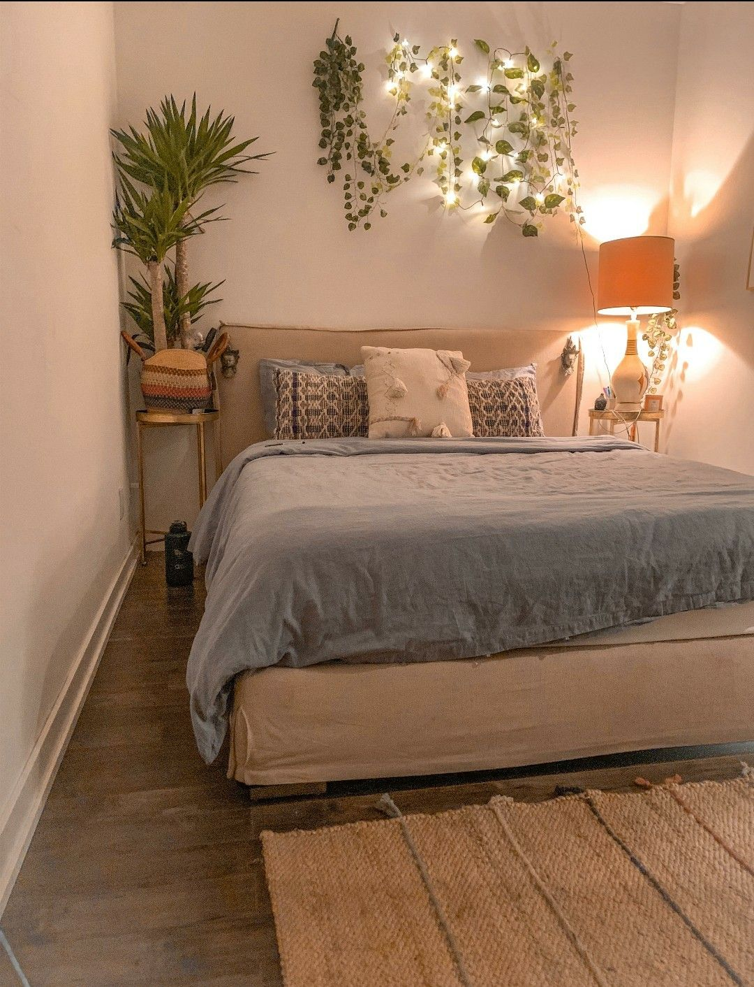 bedroom in 2020 cozy bedroom cozy place small modern cabin on modern cozy bedroom decorating ideas id=85276