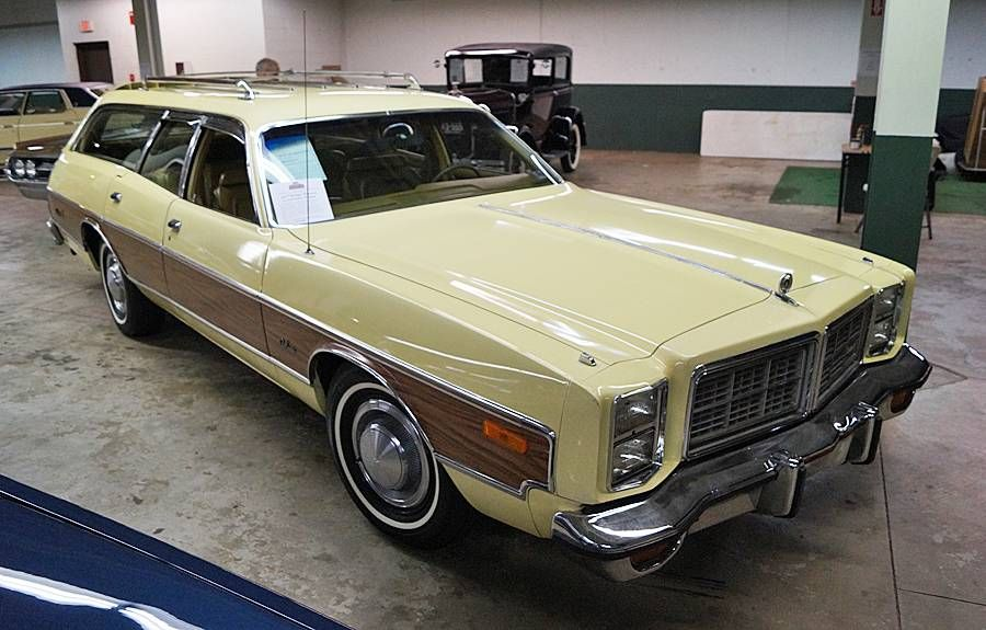 1977 Dodge Monaco Brougham Crestwood | Wagons (Long Roofs