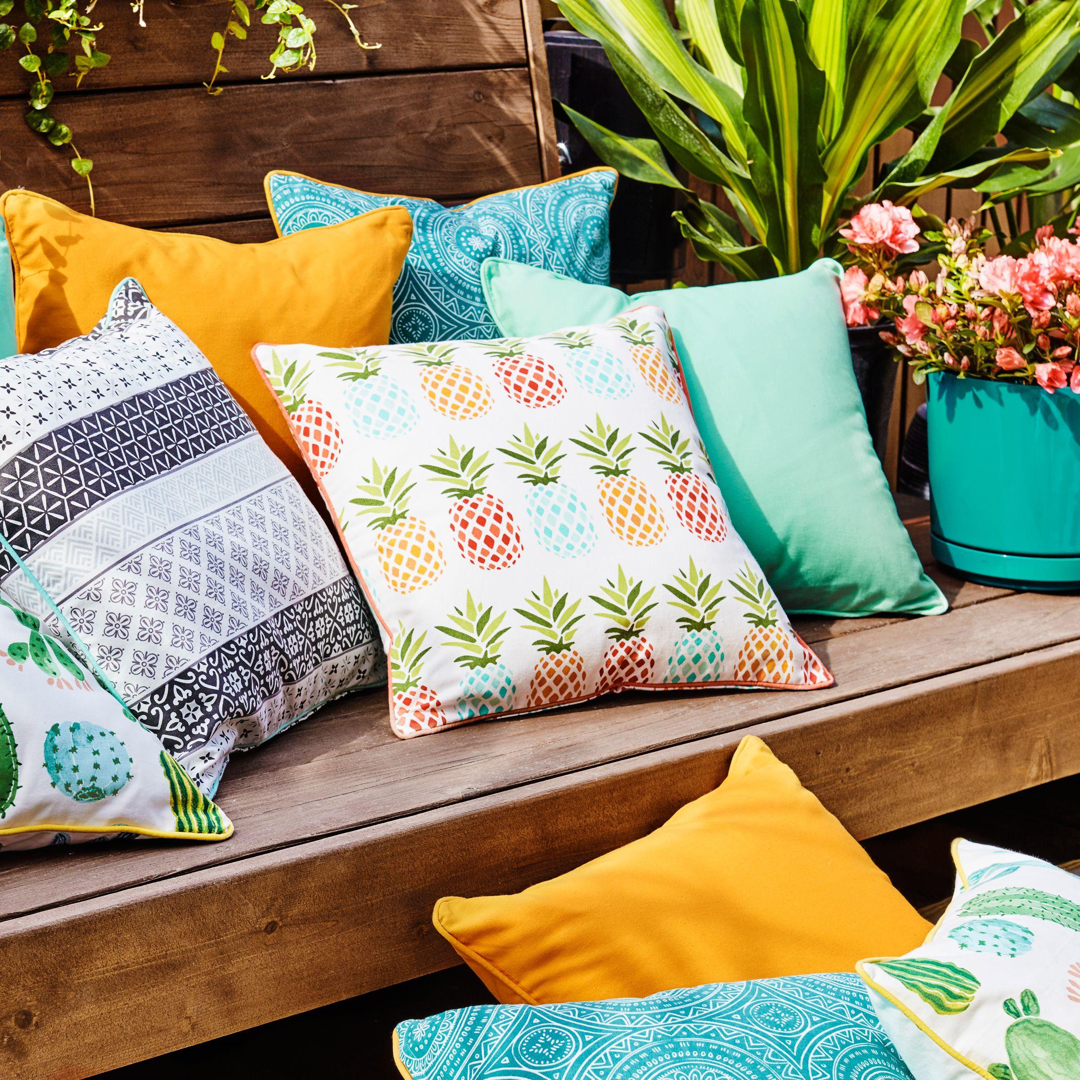 Pineapple decorative outdoor cushion simons maisonsimons