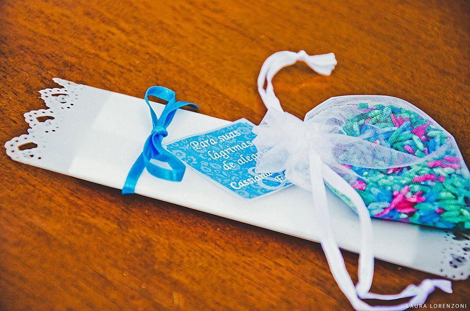 Lágrimas de felicidade e arroz colorido para mini wedding rústico-chic. Miniwedding. miniwedding.