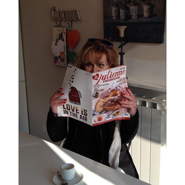 Buongiorno! Oggi è sabato...è venuta a trovarci la Rox: quattro chiacchiere, un caffè e Julienne...