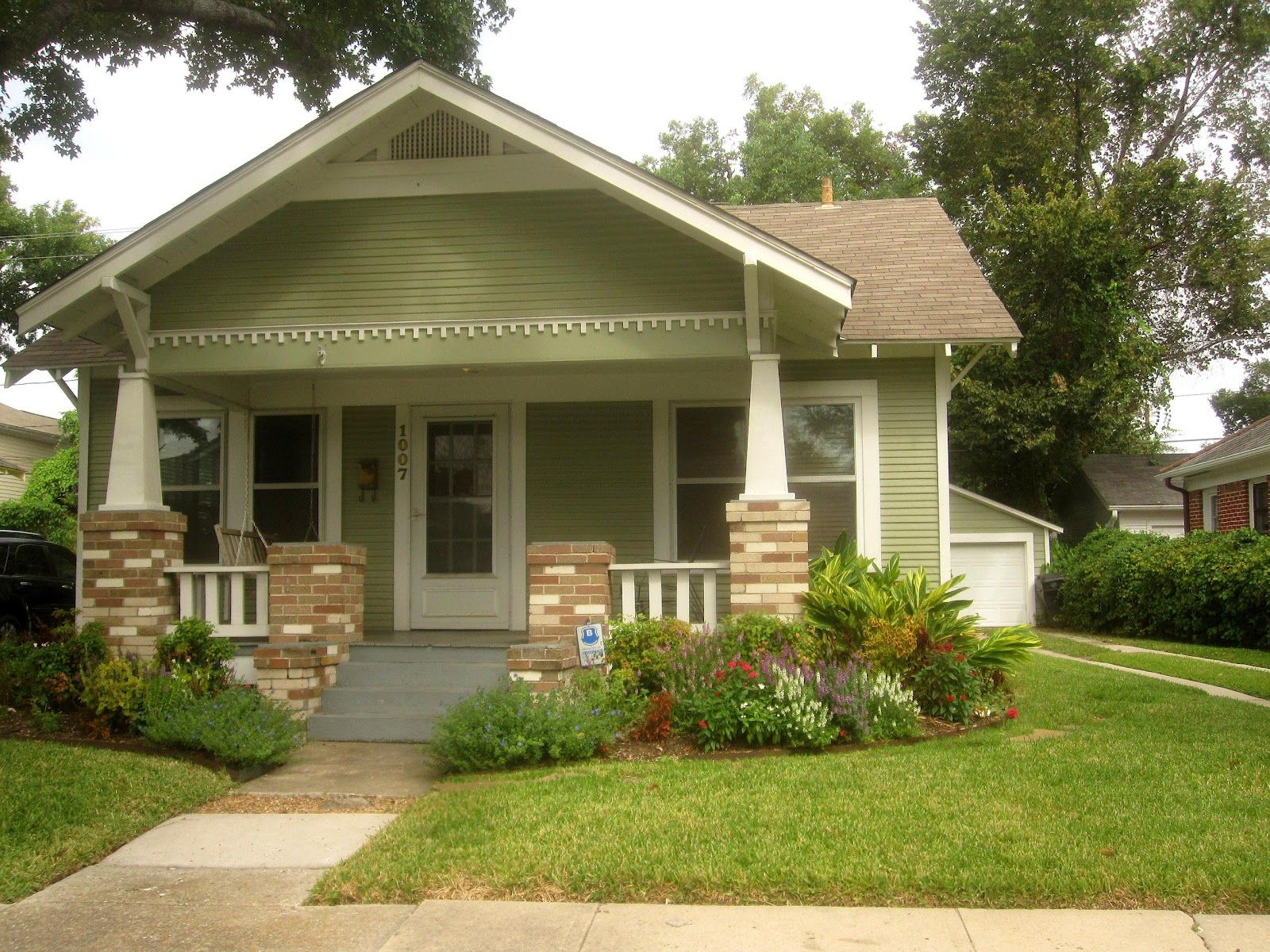 The OtHeR HoUsToN: BUNGALOWS IN THE NORHILL HISTORIC