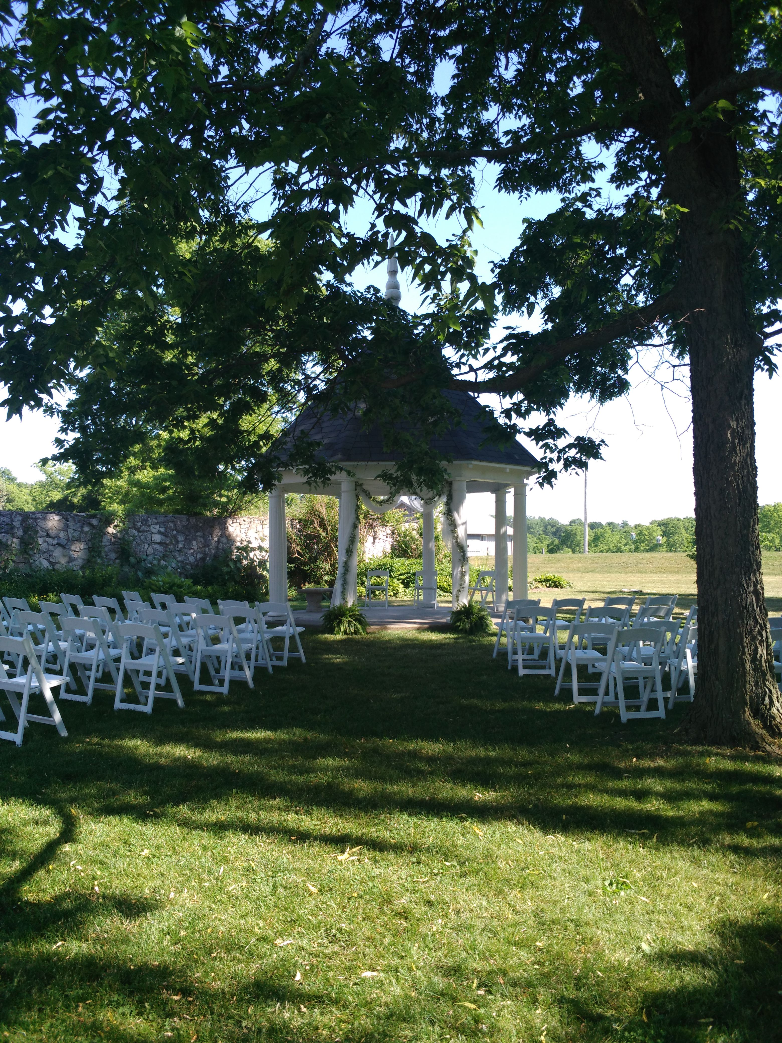 Shaded ceremony at the gazebo at Ruthven Park National Historic Site. www.ruthvenpark.ca