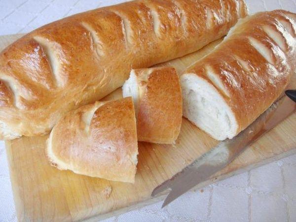 Kittencals Soft White Baguette-Style Bread