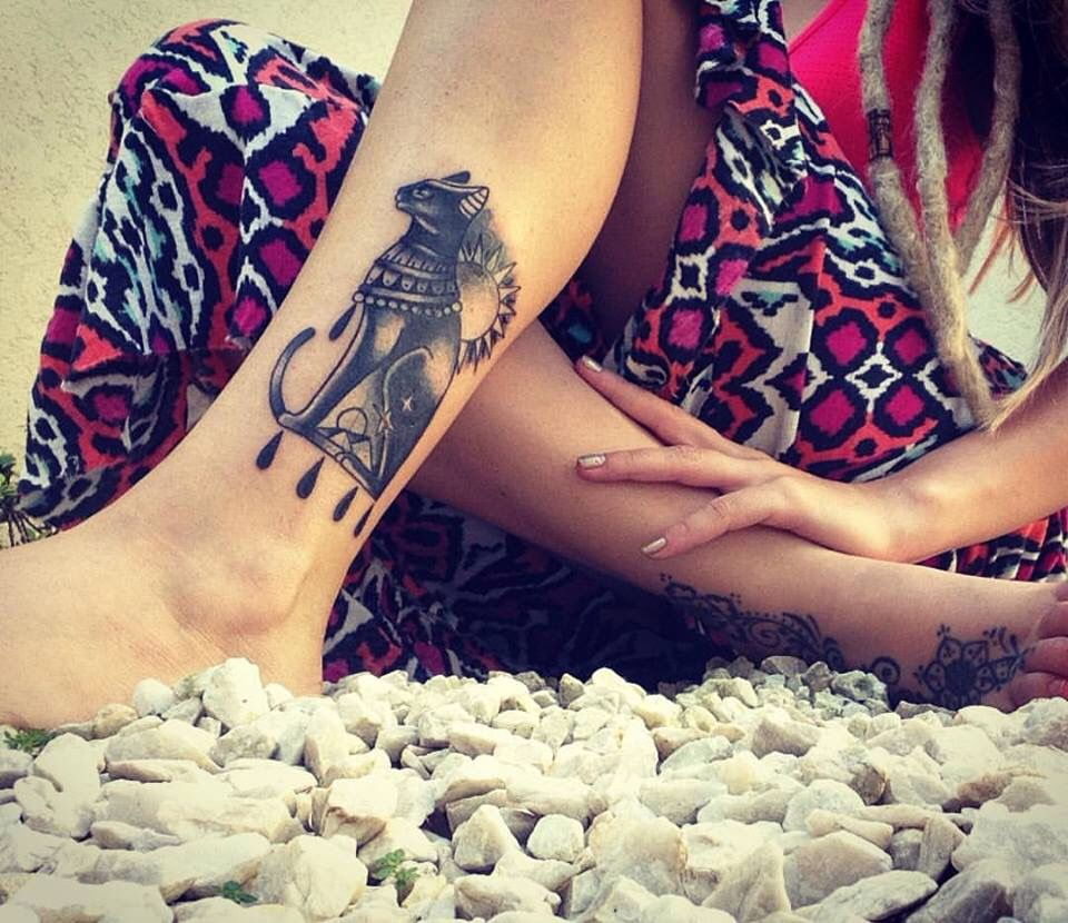 Bastet With Pyramids By It S Feet Maybe Eye Of Horus Left