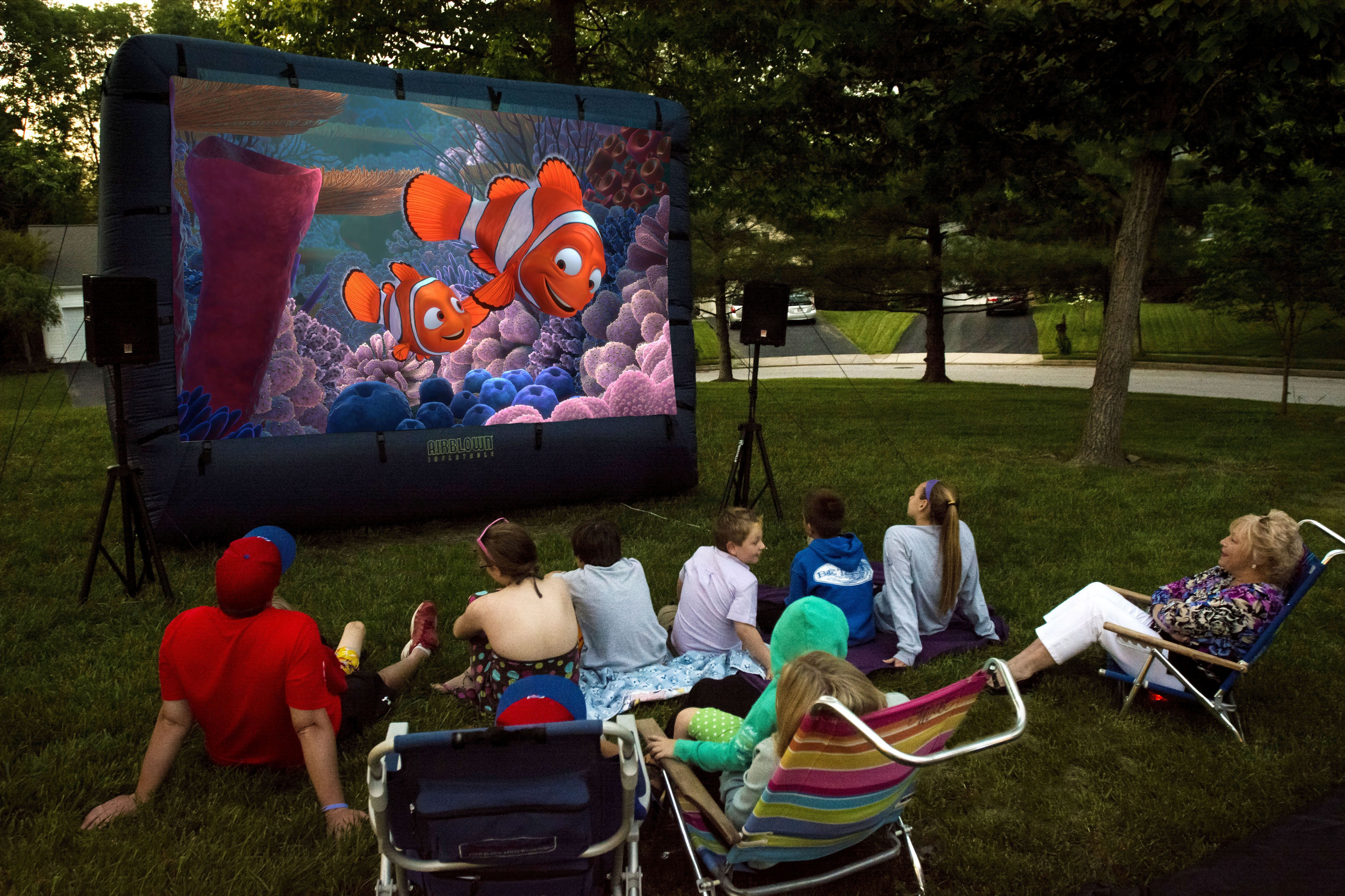 Ordinaire Backyard Inflatable Movie Screen Rentals   Http://www.KIDflatables.com