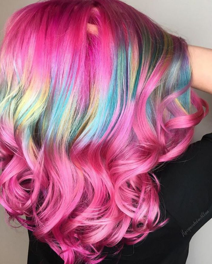 Shine Line Hair Is The Newest Trend Going Viral On Instagram Long Hair Designs Hair Styles Pastel Hair