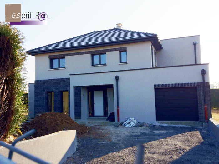 Constructeur maison habitation immeuble lotissement velux for Constructeur maison design
