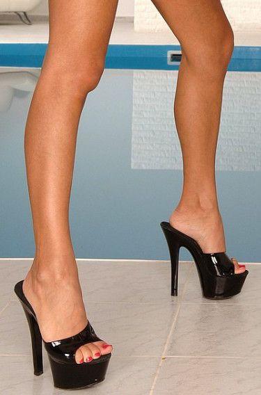 Platform shoes porn
