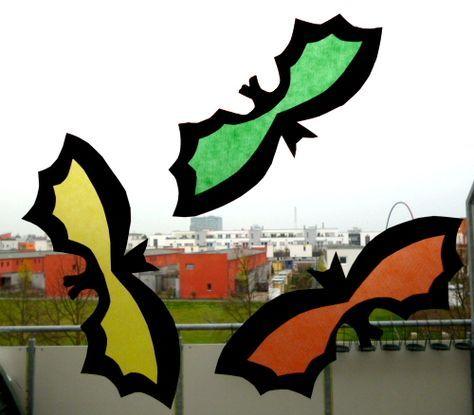 Bunte Gespenster fürs Fenster - Halloween-basteln - Meine Enkel und ich - Made with schwedesign.de #fensterbilderherbst