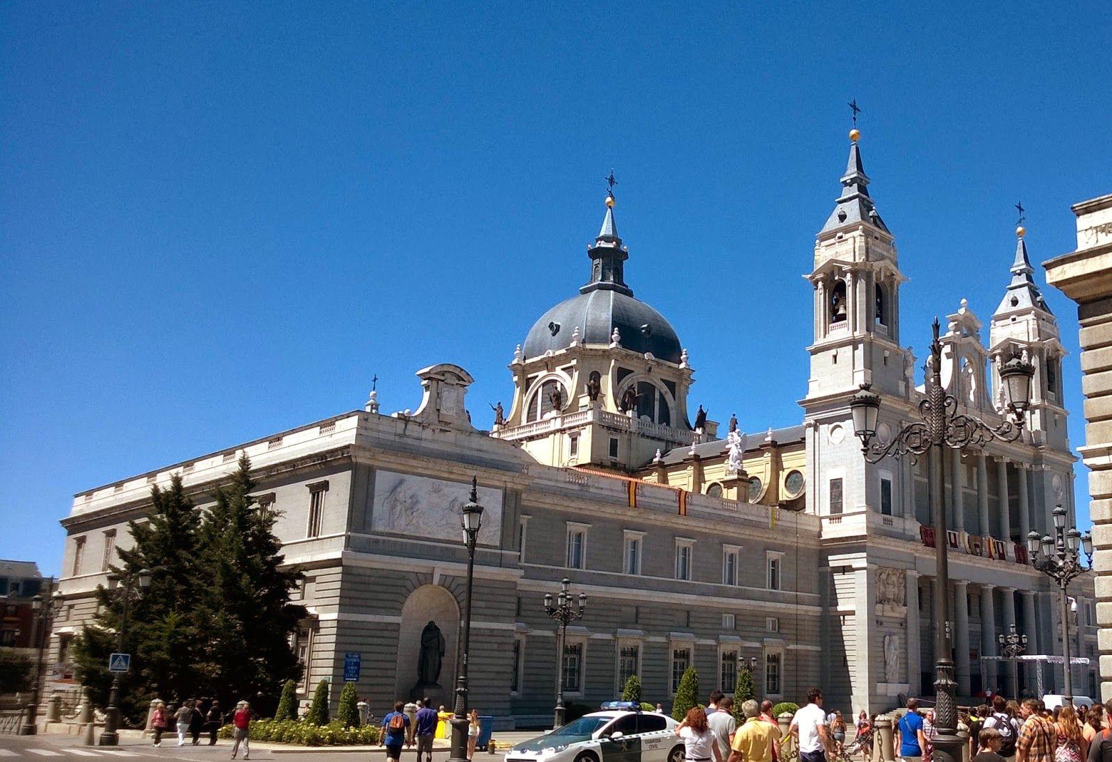 Apen matkat: Madrid osa 4, Palacio Real ja Catedral de la Almudena