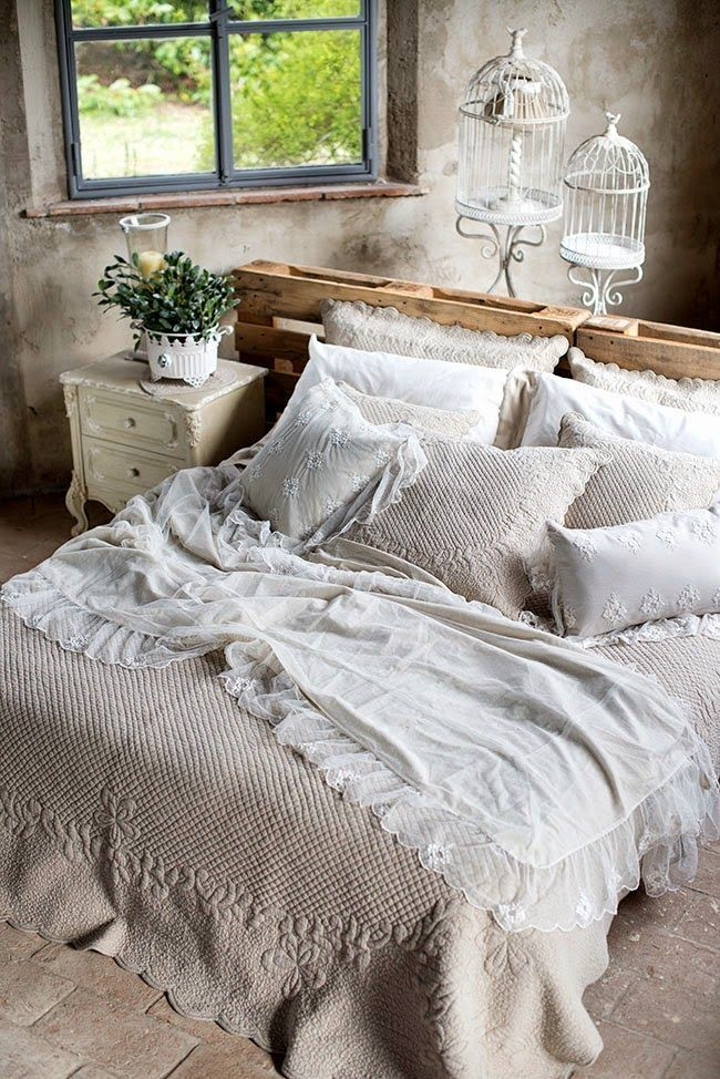 Testiera letto con pallet arredo shabby chic con bancali arredamento casa fai da te dream - Testiera letto fai da te cuscini ...