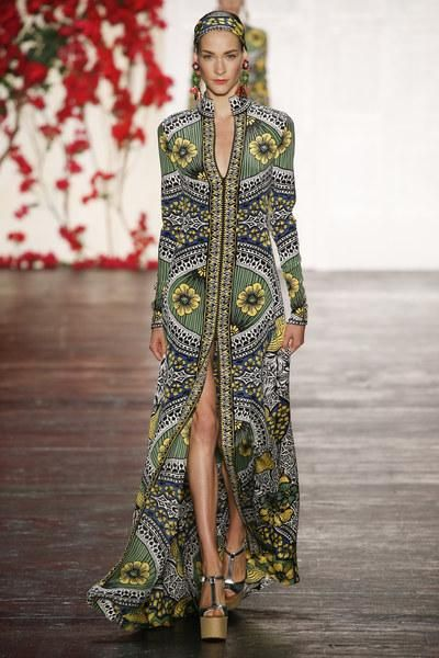 Naeem Khan Spring 2016. See the full collection on Vogue.com