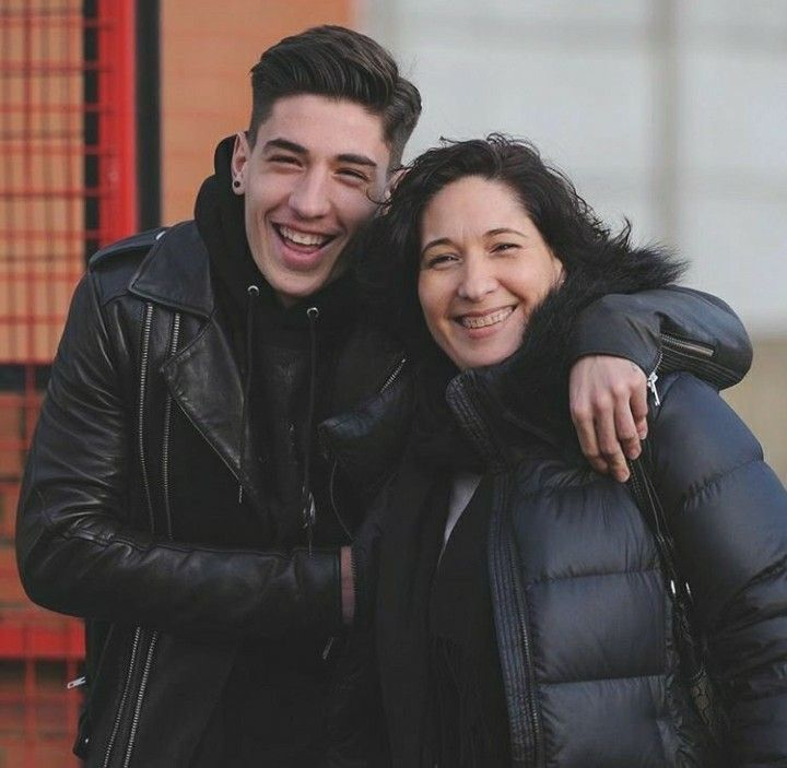 Picture of Héctor Bellerín Mother, called Maty Moruno