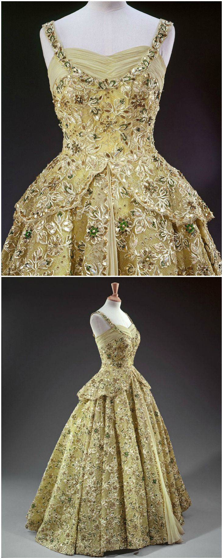 Evening Dress Designed By Norman Hartnell For Queen Elizabeth Ii 1950s The Royal Collection C 2008 Her Majesty Queen E Fashion Vintage Outfits Vintage Gowns [ 1835 x 732 Pixel ]