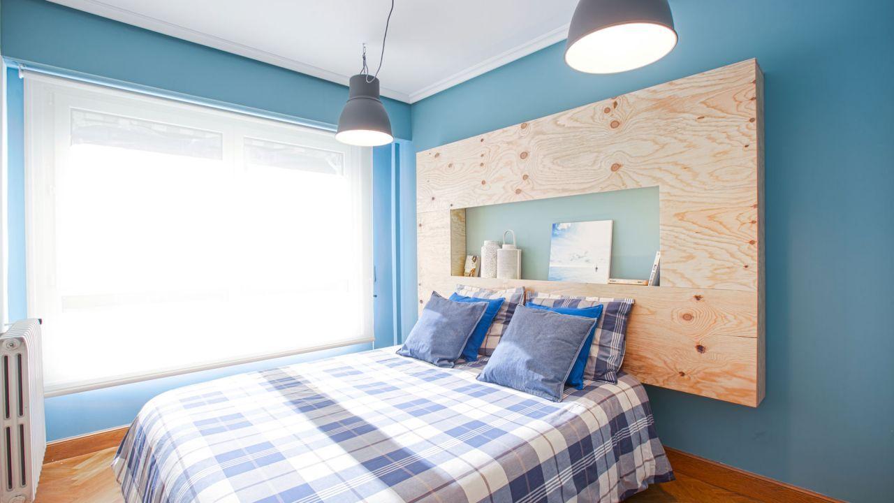 Cabecero de madera con mesilla incorporada luces led y for Programa para disenar cuartos